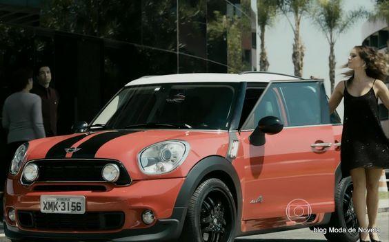 A melhor imagem da moda da TV: O carro esportivo de Danny Bond na série Felizes P...