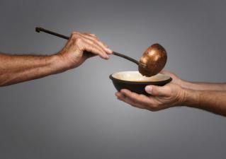 Segítség a éhezőnek