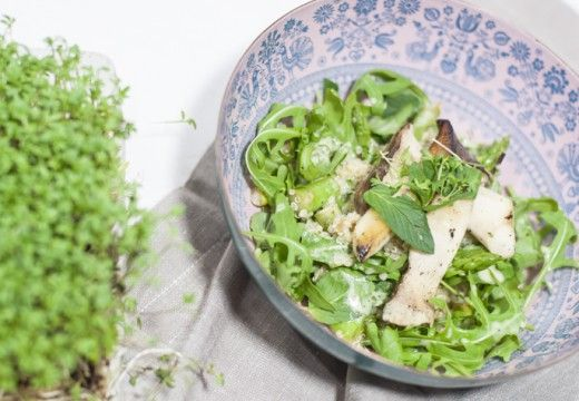 Spargel-Quinoa-Salat mit Kräuterseitlingen