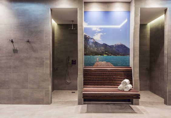 Munich hotel spa shower area