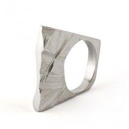Slim Shards Ring by Maria Dorai-Raj - www.dorai.ie