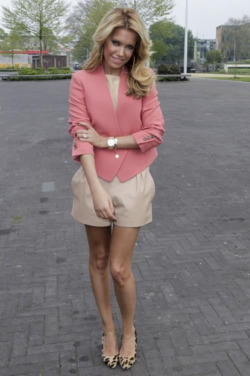 sylvie van der vaart really stylish outfits pinterest pink leopards and colour. Black Bedroom Furniture Sets. Home Design Ideas