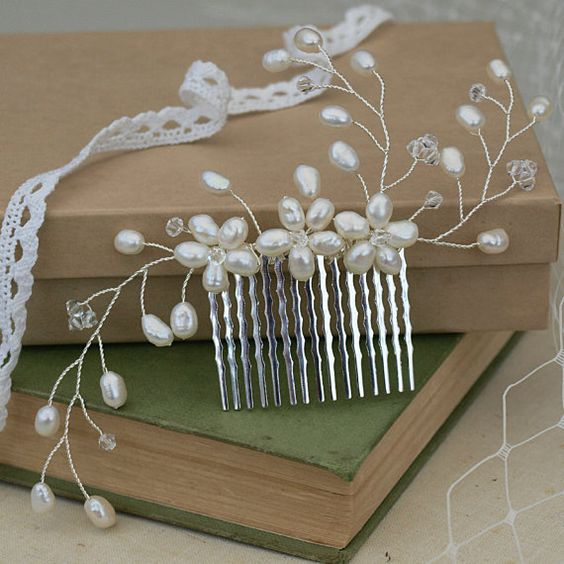 Pearl Hair Comb Bridal Hair Accessories Ivory Pearls Silver Crystal Wedding Headdress Bridemaid Hair Accessories Floral Hair Clip: