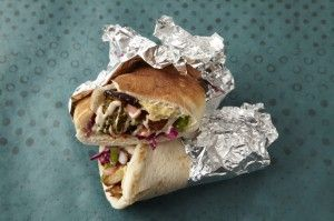 Shawarma: Kosher Food, Chicken Recipes, Homemade Shawarma, Jewish Israeli Recipes, Israeli Food, Foreign Food, Jewish Food, Fast Food, Kosher Recipes Meat