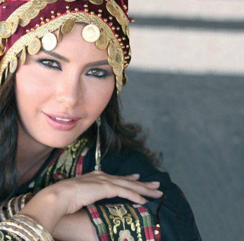 صور وخلفيات بنات لابسه الزي البدوي 2018 2019 Style Fashion Crown Jewelry