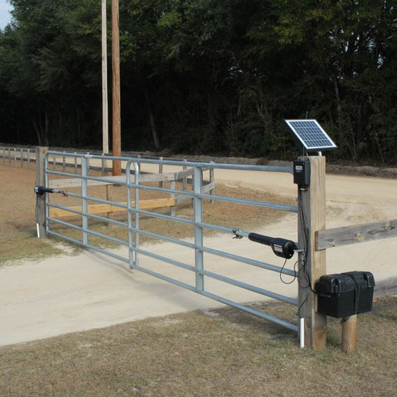 10 Watt Solar Panel Designed To Charge The 12v Battery That Powers Your Mighty Mule Gate Opener System And Serves As An Alternative With Images Farm Gate Driveway Gate Diy