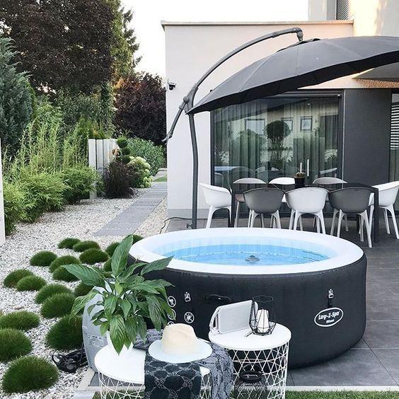 Accessoirisez Votre Spa Avec Nos Equipements En 2020 Terrasse Design Deco Balcon Spa Gonflable