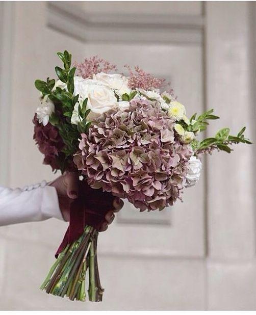 Ramo de novia hortensias rosas