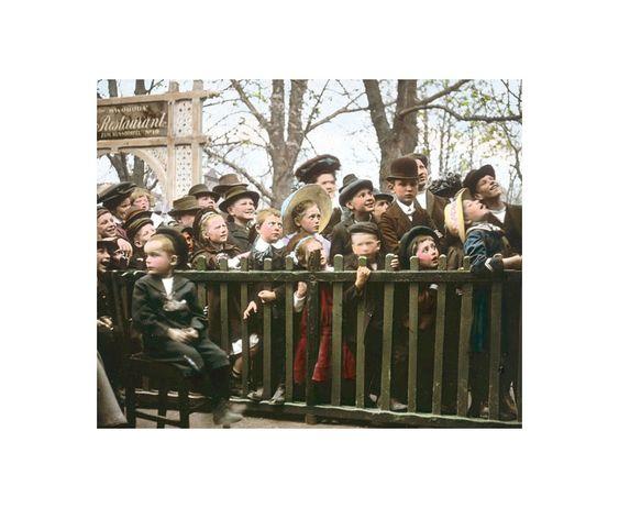 Im Wurstelprater: Im Wurstelprater um 1905-1910. Fotografie von Emil Mayer.