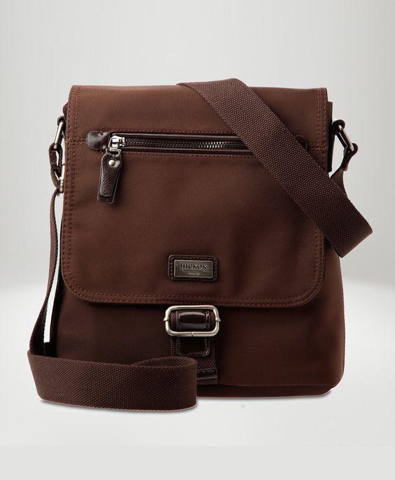 No olvides nada, lleva todos tus básicos en esta bolsa para caballero Hickok.