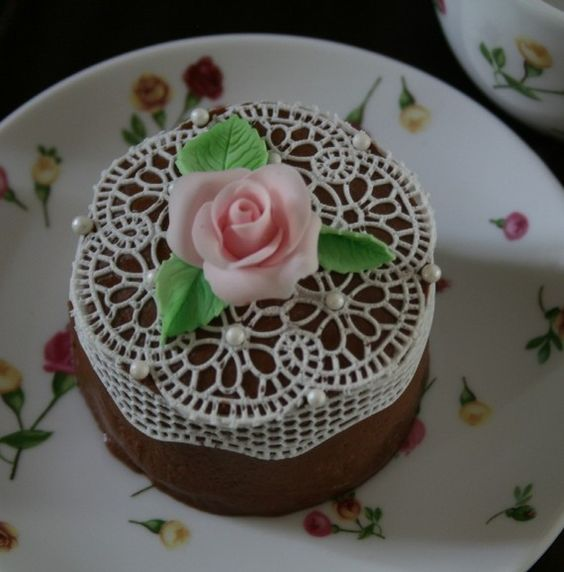 cake decorated with edible lace rosette!! Cake decor ...