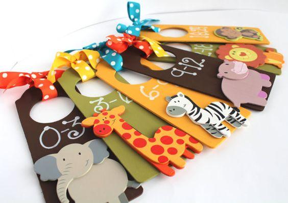 Diviseurs de placard Baby Set, animaux de Zoo, pépinière diviseurs placard, range-placard, cloison en bois, peint cloisons bois, pépinière cintres