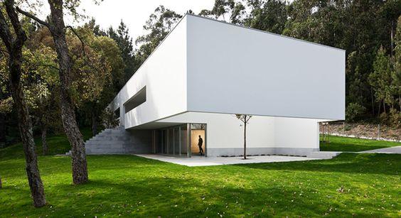 Eduardo Souto de Moura, Luis Ferreira Alves · House in Ponte de Lima · Divisare