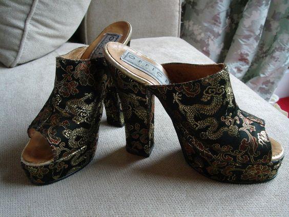 VINTAGE c1970s Office Oriental Paisley Dragon Floral Peep-Toe Mules Heels Shoes