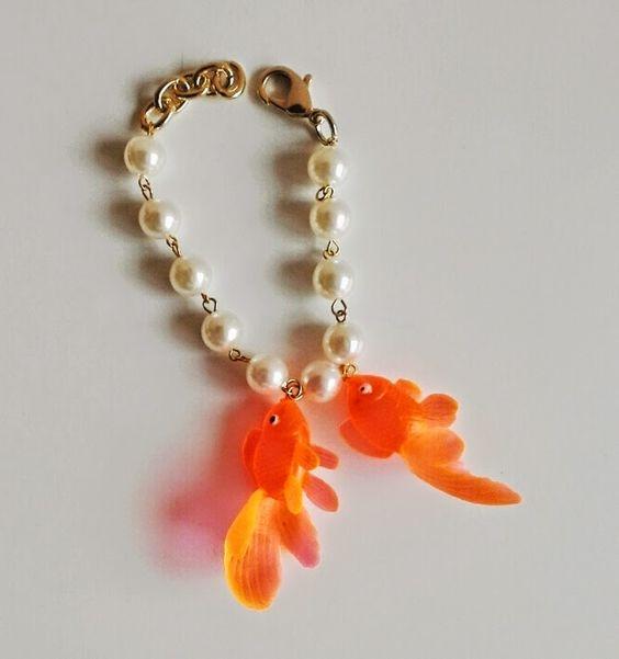fusabijoux_shaped_fish_bijoux__charm_a_forma_di_pesce_bracelets_earrings_necklace_collane_braccialetti_orecchini_.jpg (730×779)