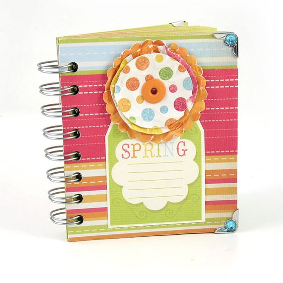 Love the colors of this album created with the Cinch. #wermemorykeepers #cinchtool #minialbums