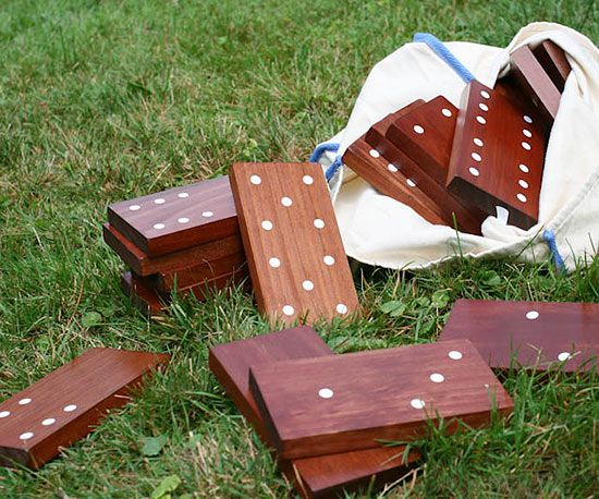 Make your own DIY yard dominoes. Step-by-Step Instructions: http://www.bhg.com/home-improvement/porch/outdoor-rooms/diy-backyard-games/?socsrc=bhgpin092915diyyarddominoes&page=13: