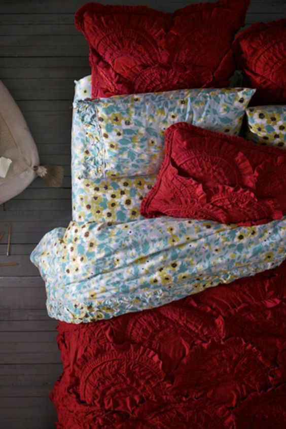 love the floral sheets with a darker comforter:
