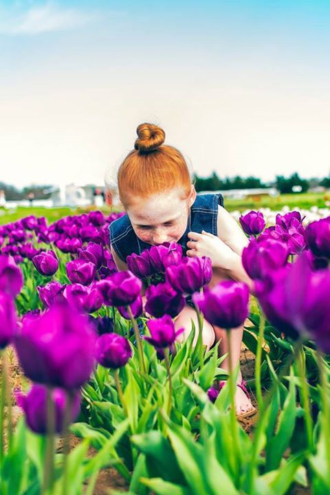 Small Town Girl Photography -  Nikon d5300 - natural light - child photography - outdoors - tulips - ginger - red head
