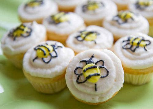 Bumblebee cupcakes from Bumblebee Bake Shop by Rachel from Cupcakes Take the Cake, via Flickr