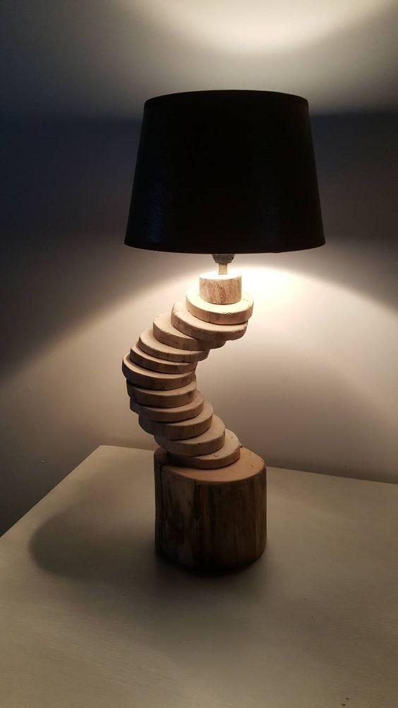 Lampe escalier design en rondelle de bois flotté