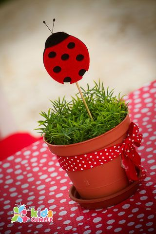 Ladybug Birthday Party. This is too cute! Especially for my little ladybug. <3: