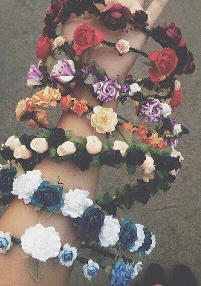 Flower crowns for all tastes