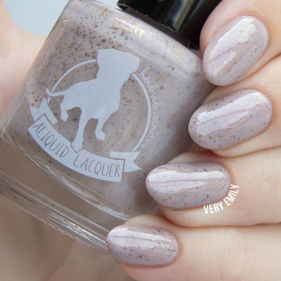 Very Emily » Aliquid Lacquer – Mourning Dove