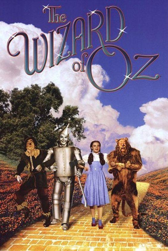 El mago de Oz es una película musical fantástica estadounidense de 1939 producida por Metro-Goldwyn-Mayer. En la actualidad, es considerada una película de culto, a pesar de su proyecto inicial como fábula cinematográfica infantil.