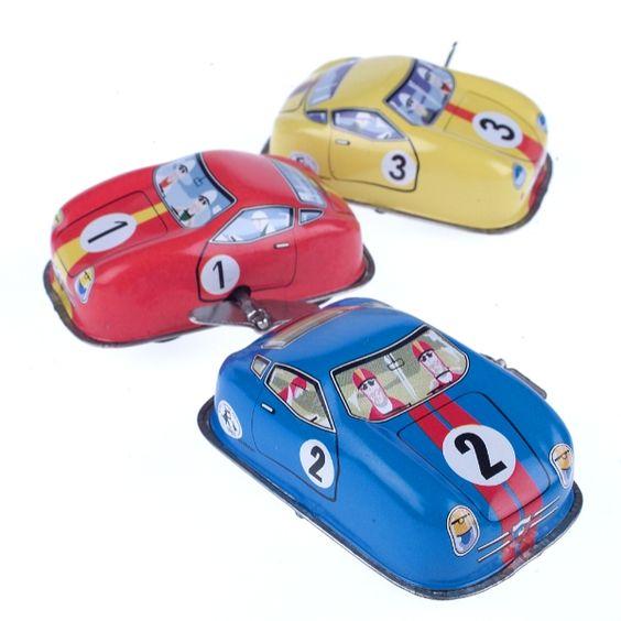 Ein Klassiker! Blechspielzeug-Auto zum Aufziehen.