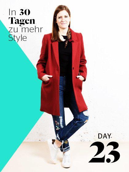 Heute stylen wir Maies Signature-Look (Jeans und T-Shirt) mit wenigen Tricks ganz neu und fresh!