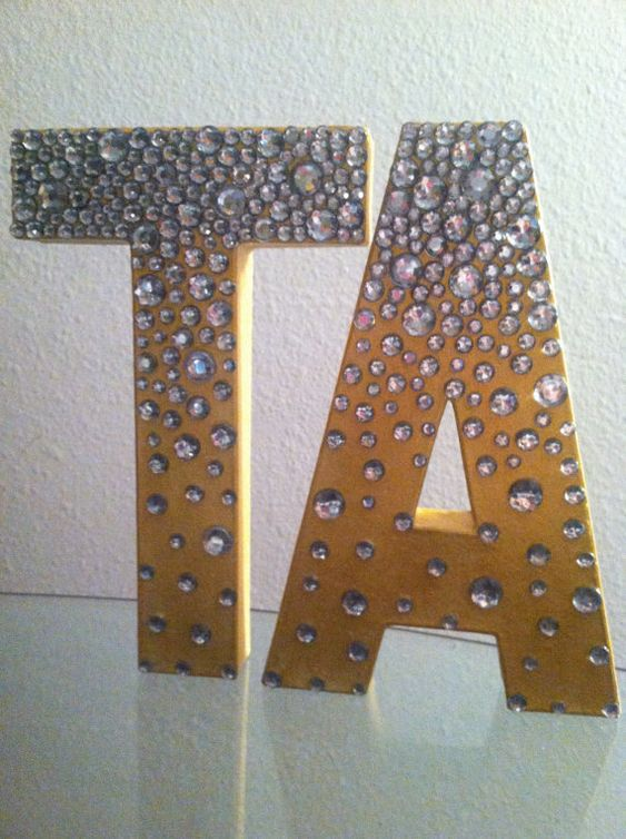 Delta zeta initials and rhinestones on pinterest for Decoration 5 letters