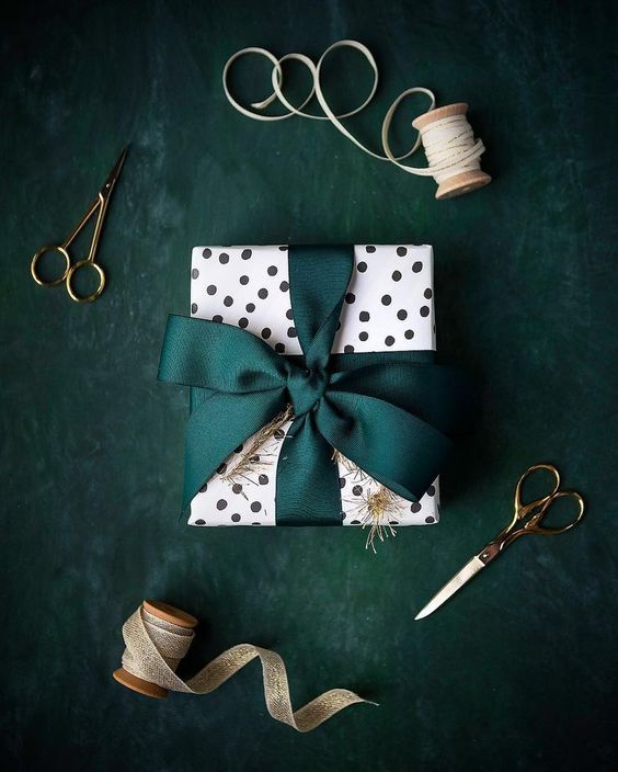 Spotted paper and emerald ribbon.