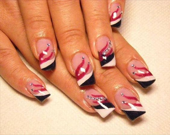 would like this for 4th of July   FEATHER Nails !