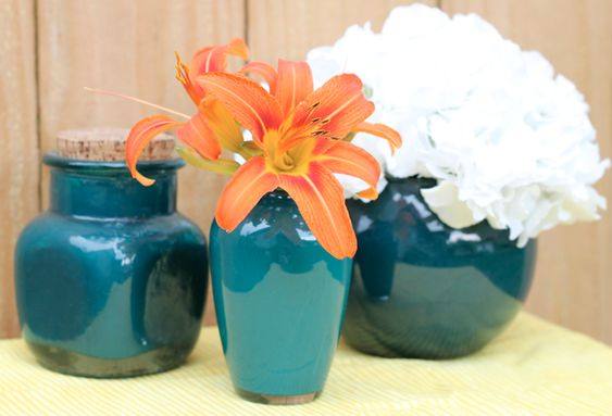 paint the inside of vases