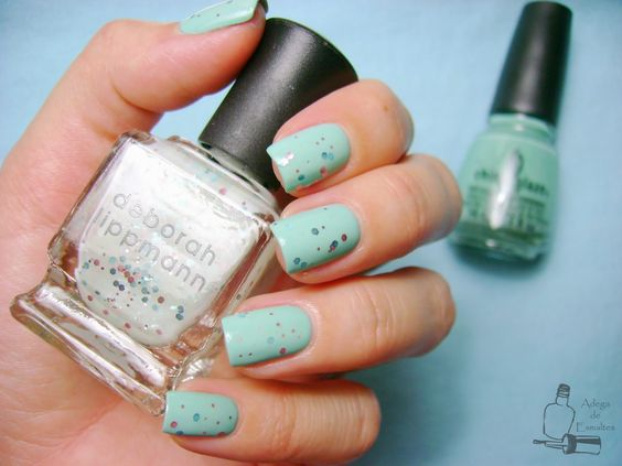 Adega de Esmaltes: Glitter In The Air - Deborah Lippmann sobre For Audrey - China Glaze