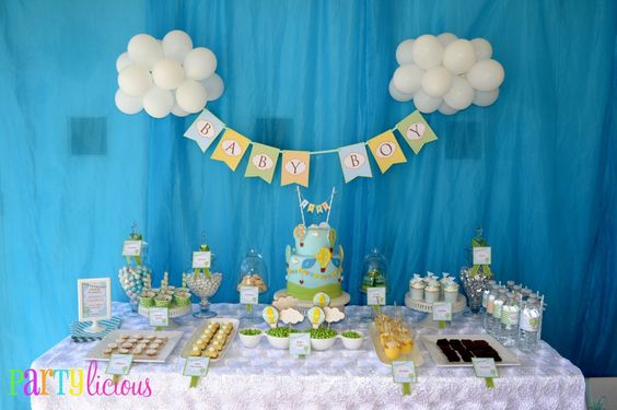 Up, Up & Away - We adore this hot air balloon theme for a #babyshower