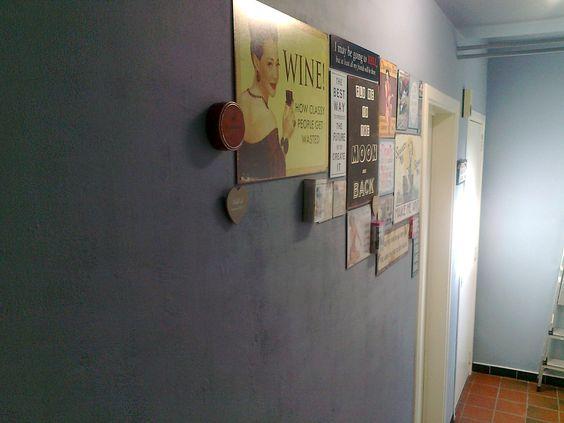 Magnetische muur met metalen wandborden opfleuren.