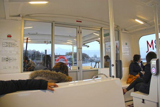 Внутри речного трамвая в Бордо