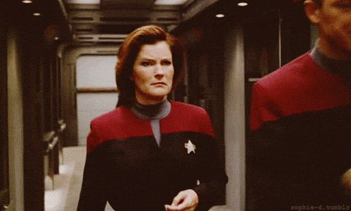Star Trek Voyager - Captain Kathryn Janeway (Kate Mulgrew) and the look she gets when Chakotay is talking shit again!