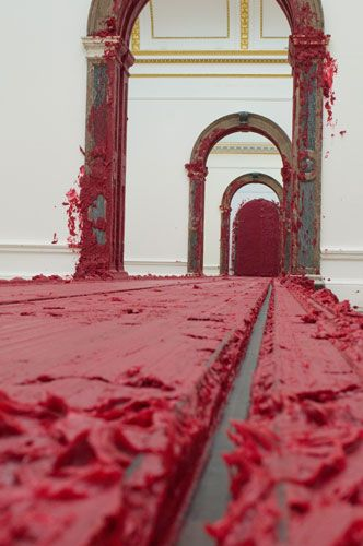 Anish Kapoor paints the Royal Academy red