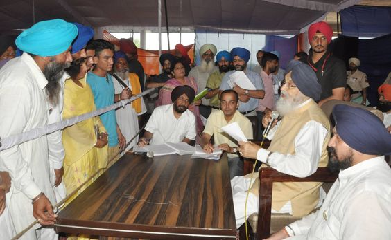 It is no ordinary task to meet people village by village and help them get the maximum benefits of governance right at their doorstep but Punjab CM Parkash Singh Badal has been undertaking this mammoth task every day for last 9 years through his Sangat Darshan program. He interacted with the people of Baba Bakala during his Sangat Darshan program yesterday. #progressivepunjab   #akalidal