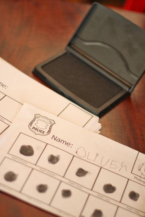 Cops and robbers birthday - fingerprint