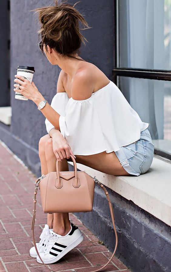 ♛ FASHION INSPIRATION - STYLE INSPIRATIONS ♛ THE BEST OUTFITS BY FASHION BLOGGERS, STYLE IDEAS, DESIGNER DRESSES, WHERE TO BUY AND MORE.: