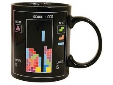 How cool is this? Heat sensitive Tetris mug! I want one! Only £7.67 excluding VAT! Click through for the online shop! #tetris #mug #geek #geekchic #giftideas #christmas #gifts