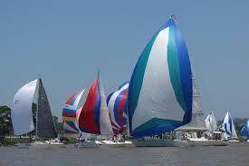 Resultado de imagem para veleiros coloridos fotos