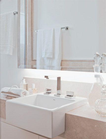 Banheiros pequenos, mas com espaço para tudo  Cuba -> Cuba Para Banheiro Pequena