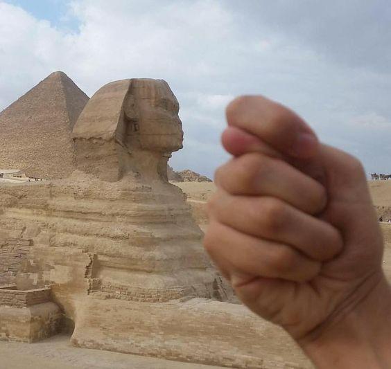 Voler le nez du Sphinx de Gizeh