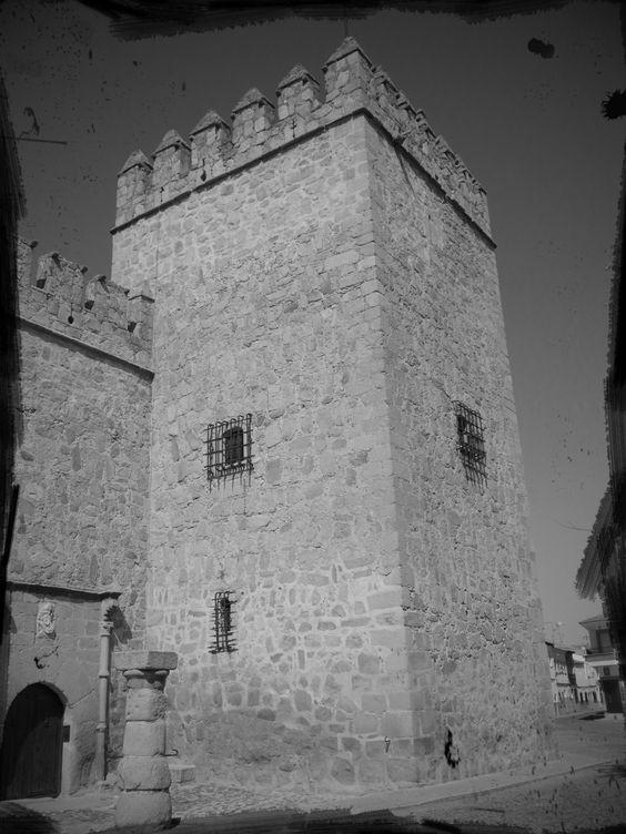 ORGAZ (Toledo). Castillo de los Condes de Orgaz.