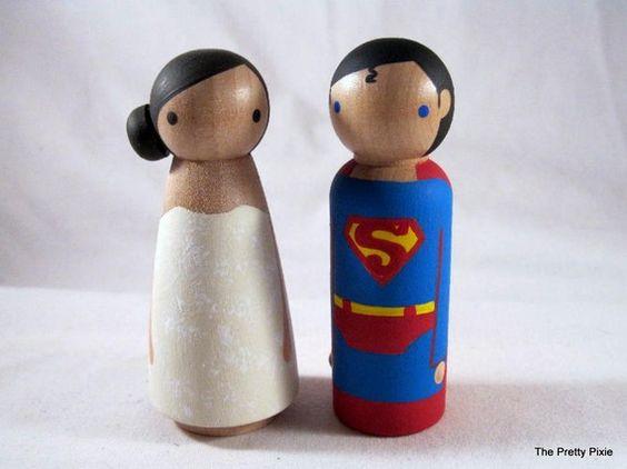 Mariages Rétro: Coup ce coeur : figurines de super-héros sur votre gâteau de mariage